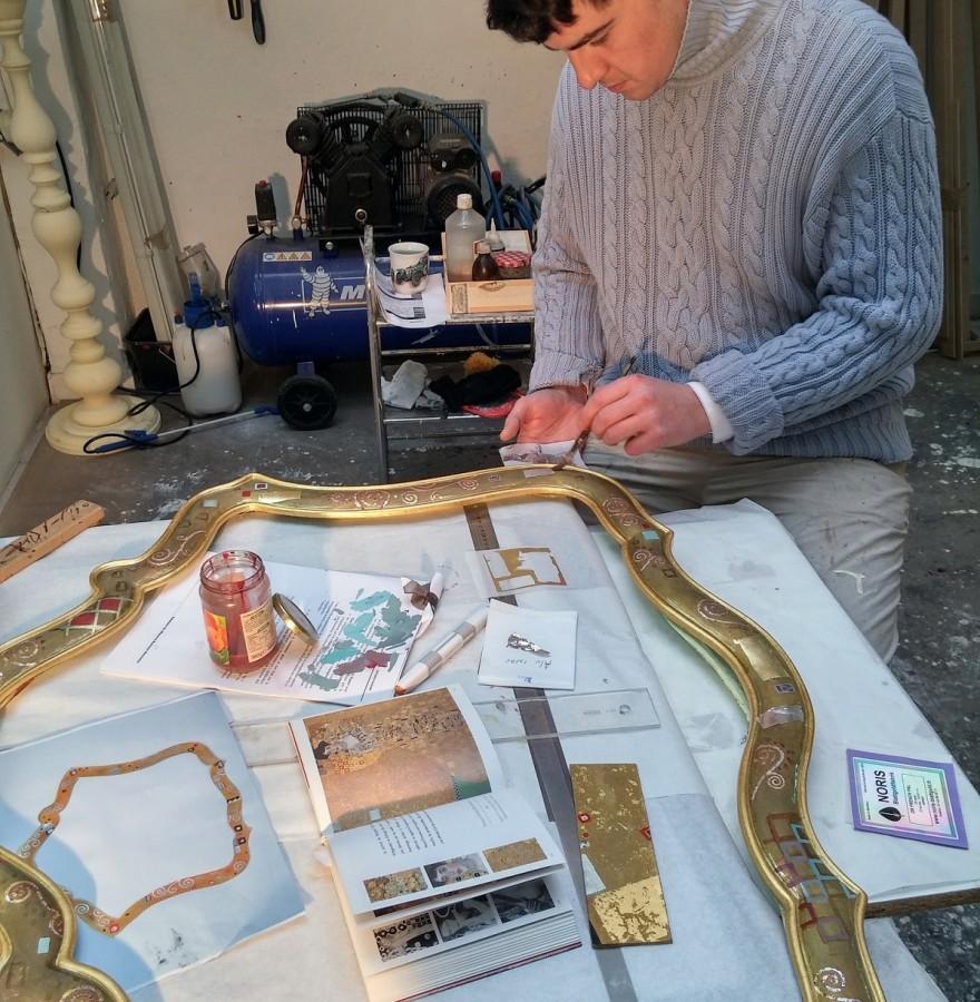 Préparation du cadre doré