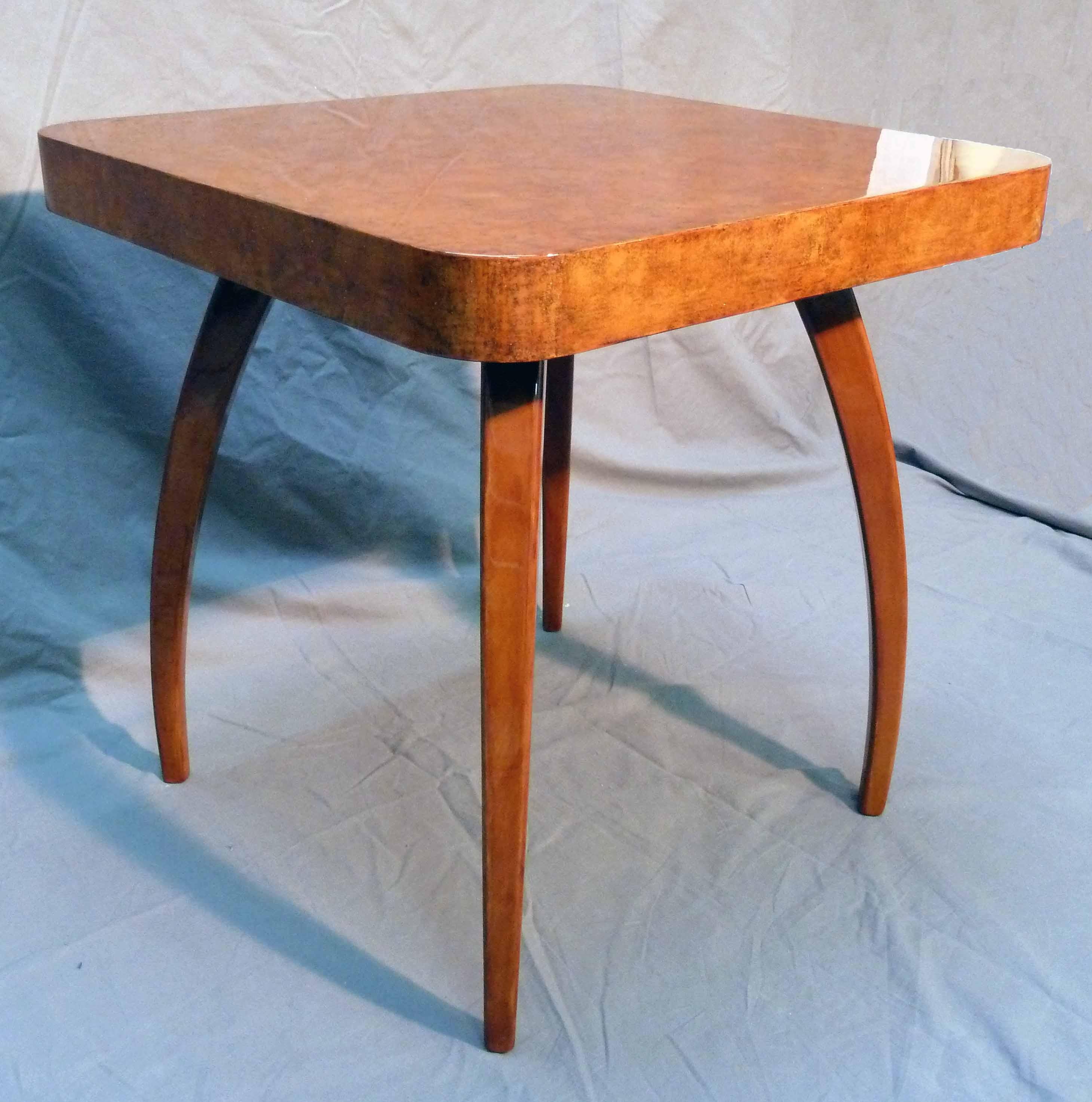 Table basse – laque, effets de matière et aventurine