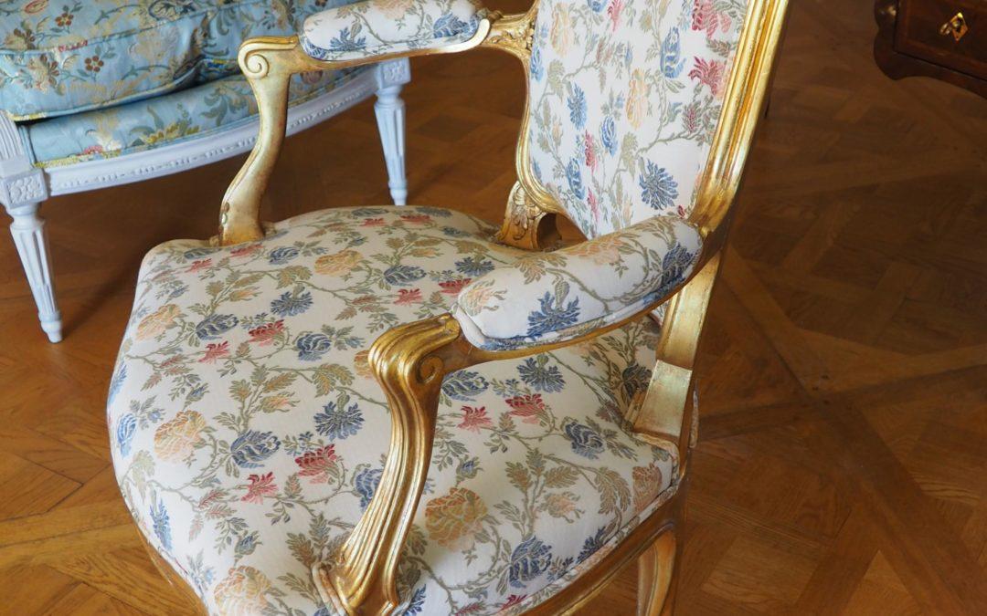 Cabriolet en bois doré d'époque Louis XVI
