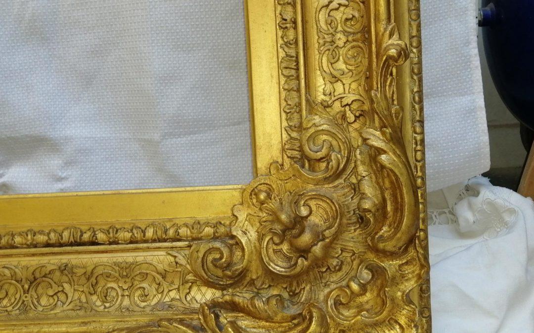 Deux cadres dorés 18ème siècle