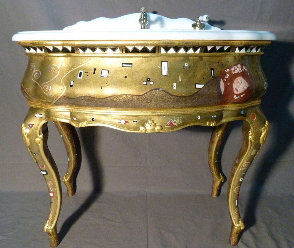 Meuble vasque doré et peint à la manière de Gustav Klimt