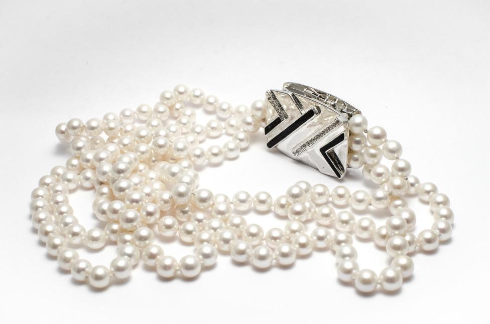 Laque et bijoux