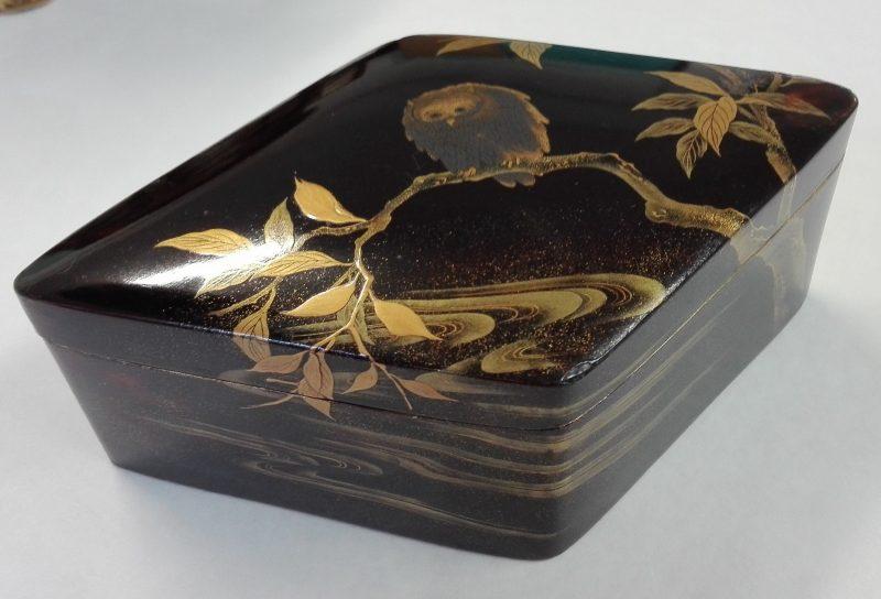 Restauration d'une série de boites laquées Japonaises