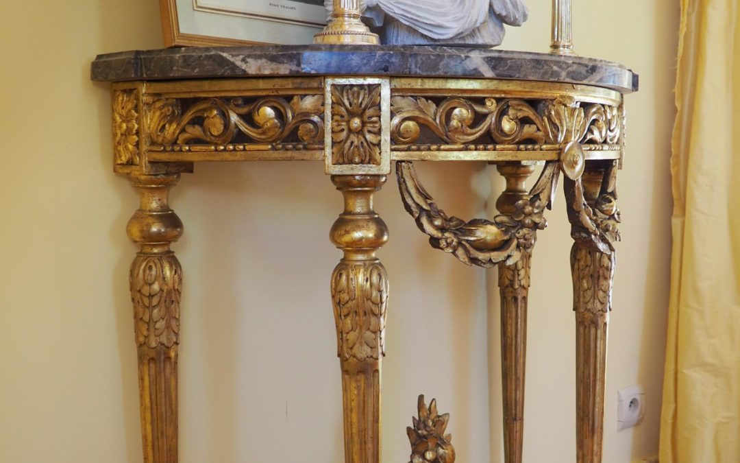 Console en bois doré d'époque Louis XVI